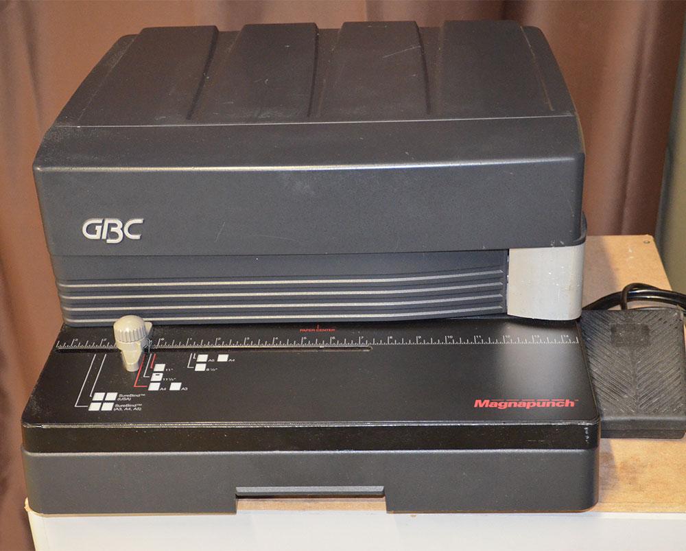 Perforateur GBC MAGNAPUNCH